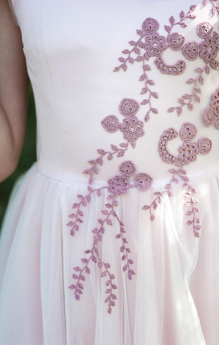ウエディングドレス刺繍