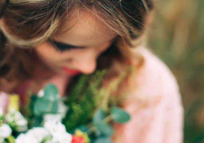 フローリストが伝授!花嫁に大人気のヘアアクセサリー花冠におすすめの花材と選ぶときの注意点